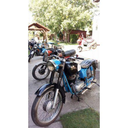 Eladó veterán motorok